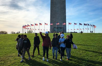 Students in front of the Washington Monument